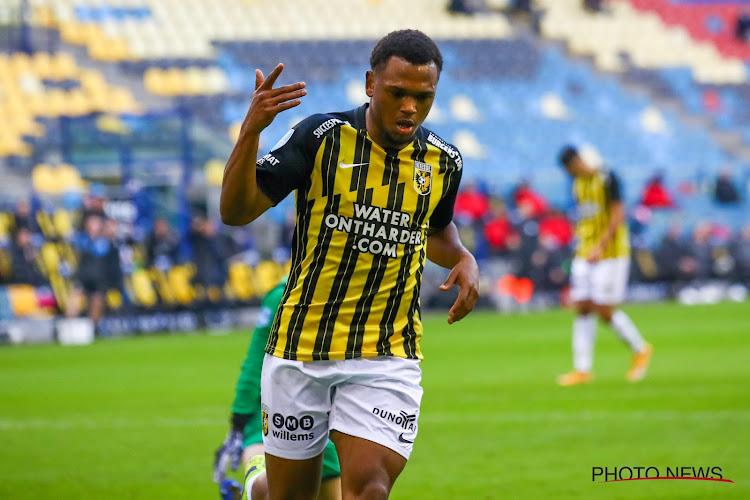 🎥 Loïs Openda inscrit son 7e but de la saison en Eredivisie et lance Vitesse vers la victoire