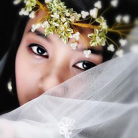 goddess beauty by Richard Gatmaitan - People Portraits of Women