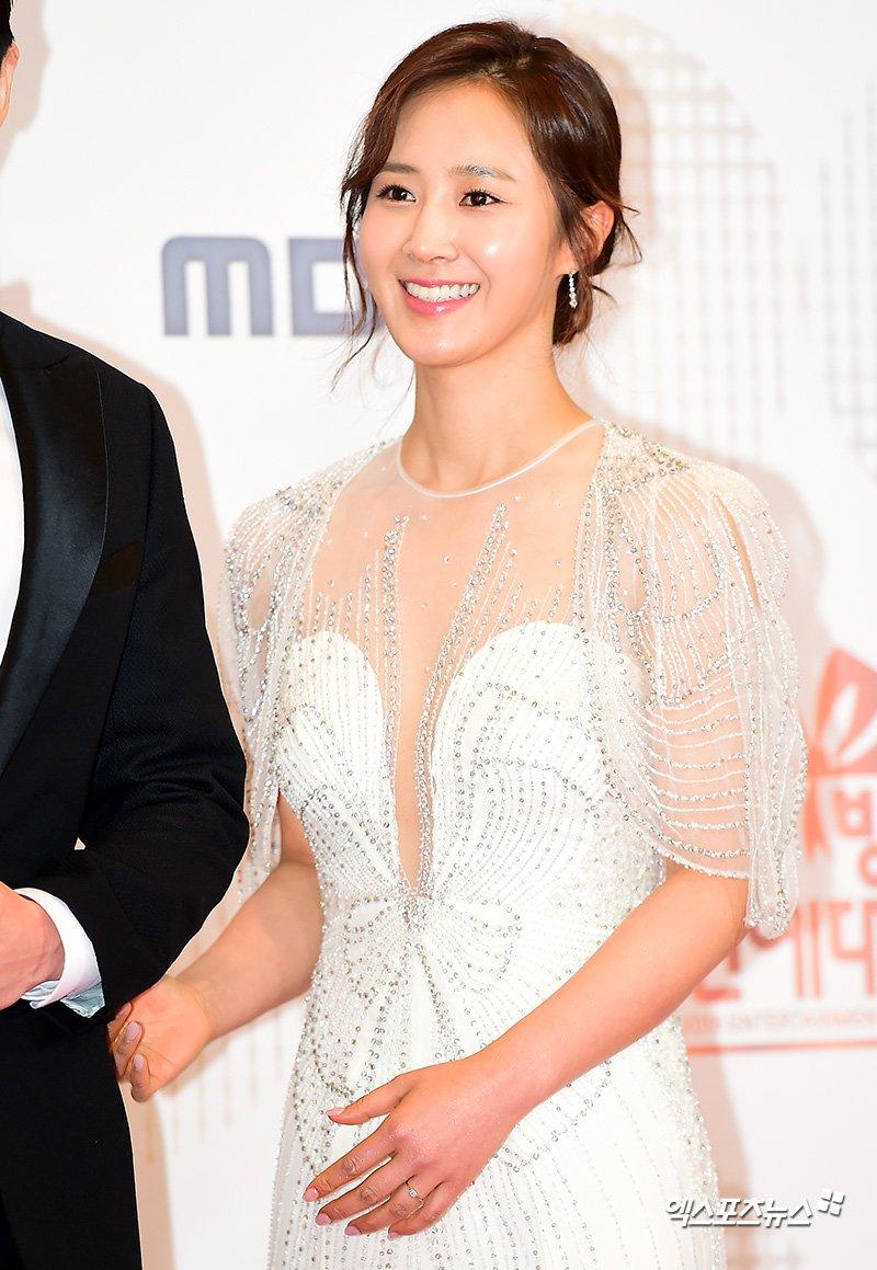 yuri gown 18