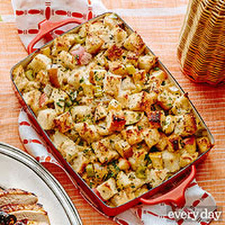 Rachael Ray's Apple, Celery & Onion Stuffing