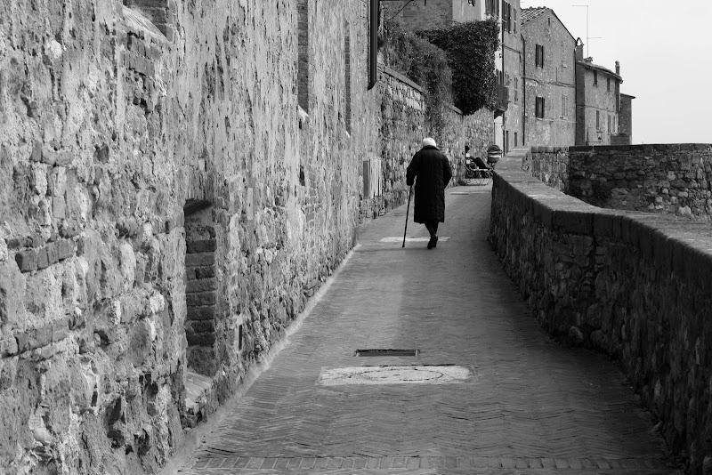 la mia solitudine passeggiata  di Cimabue