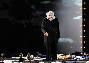 """Photo: WIEN/ BURGTHEATER; """"DANTONS TOD"""" von Georg Büchner. Inszenierung; Jan Bosse. Premiere 24. Oktober 2014. Ignaz Kirchner. Foto: Barbara Zeininger"""