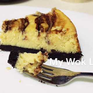 The Simplest Baked Marble Cheesecake.