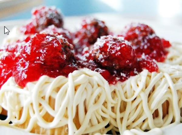 April Fools Day Spaghetti Cupcakes Recipe