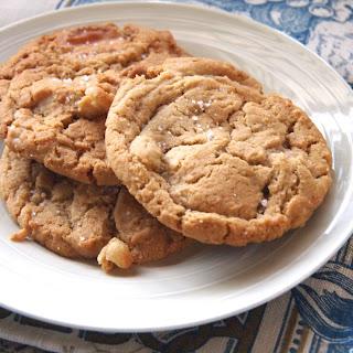 White chocolate & Macadamia nut cookies