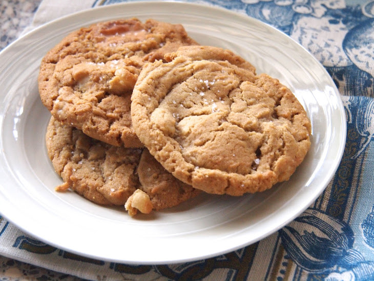 White Chocolate & Macadamia Nut Cookies Recipe