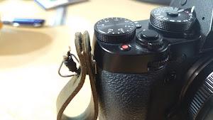 一眼カメラフィンガーストラップ 装着イメージ1