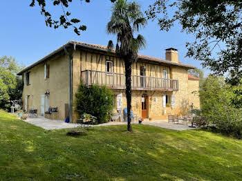 Maison 15 pièces 460 m2