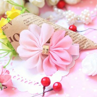 優雅粉嫩雪紡立體花瓣兒童夾(深淺粉/個) H136現貨(兩對以上包郵)