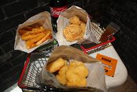怪獸炸雞公司-台北信義店 Monster Fried Chicken, Inc.