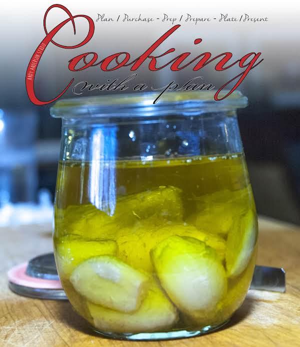 Yummy Essentials: Garlic Confit In Olive Oil Recipe