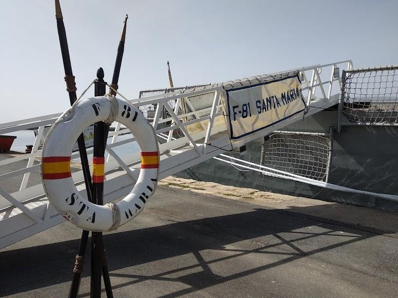 Entrada a la fragata Santa María.