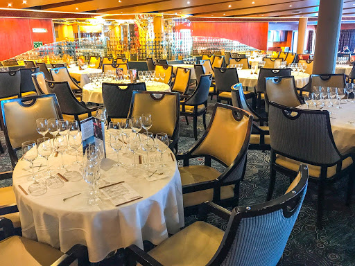 vista-dining-room-oosterdam.jpg - The Vista dining room serves as the main formal dining room on ms Oosterdam.