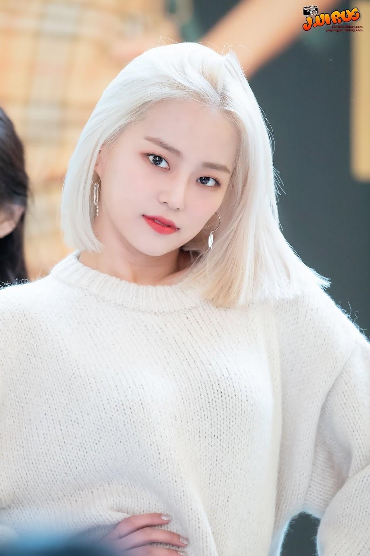 yeeun blonde 1