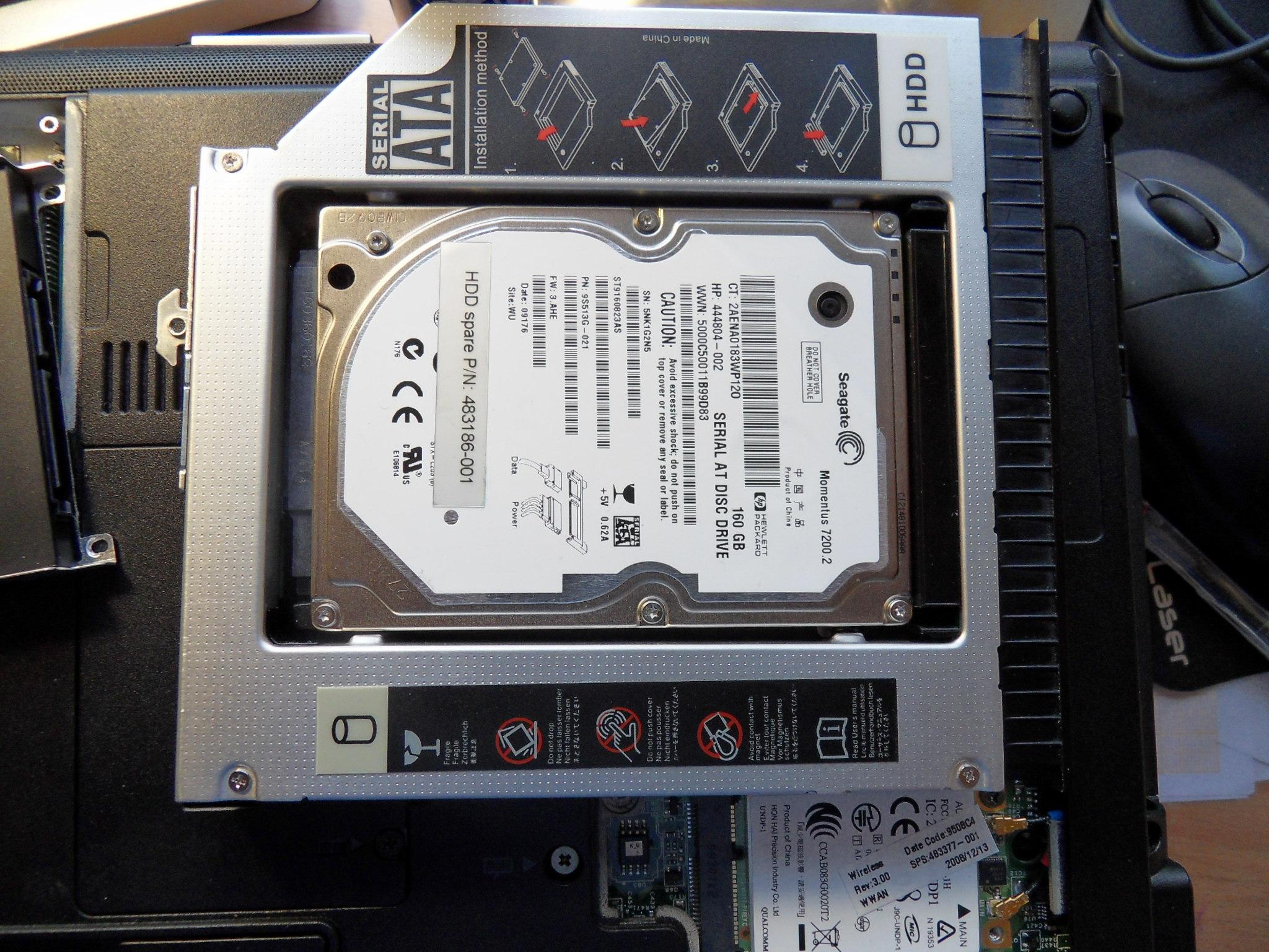 Photo: ... denn das Optische Laufwerk wurde gegen die HDD getauscht ...