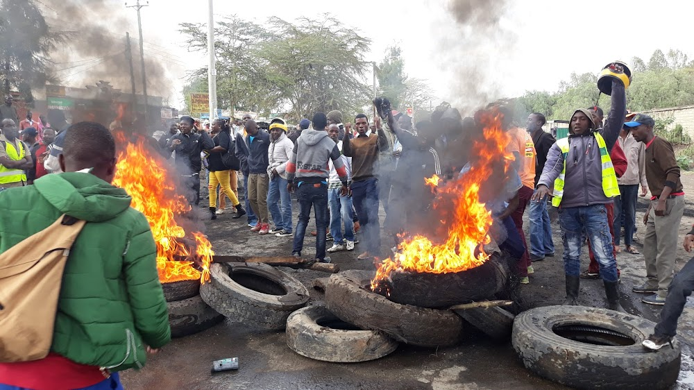 Angry residents blocked highway naivasha
