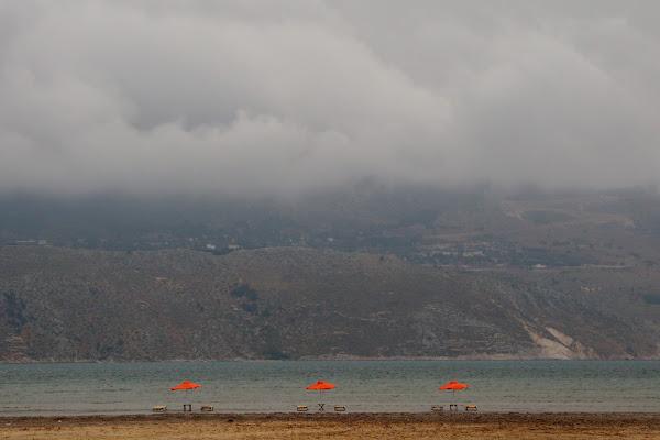 Giornata uggiosa in spiaggia di Sgheno