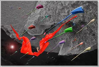 Photo: 2004 10 09 - R 03 10 18 046 W - D 048 - Angriff der Drachenflieger