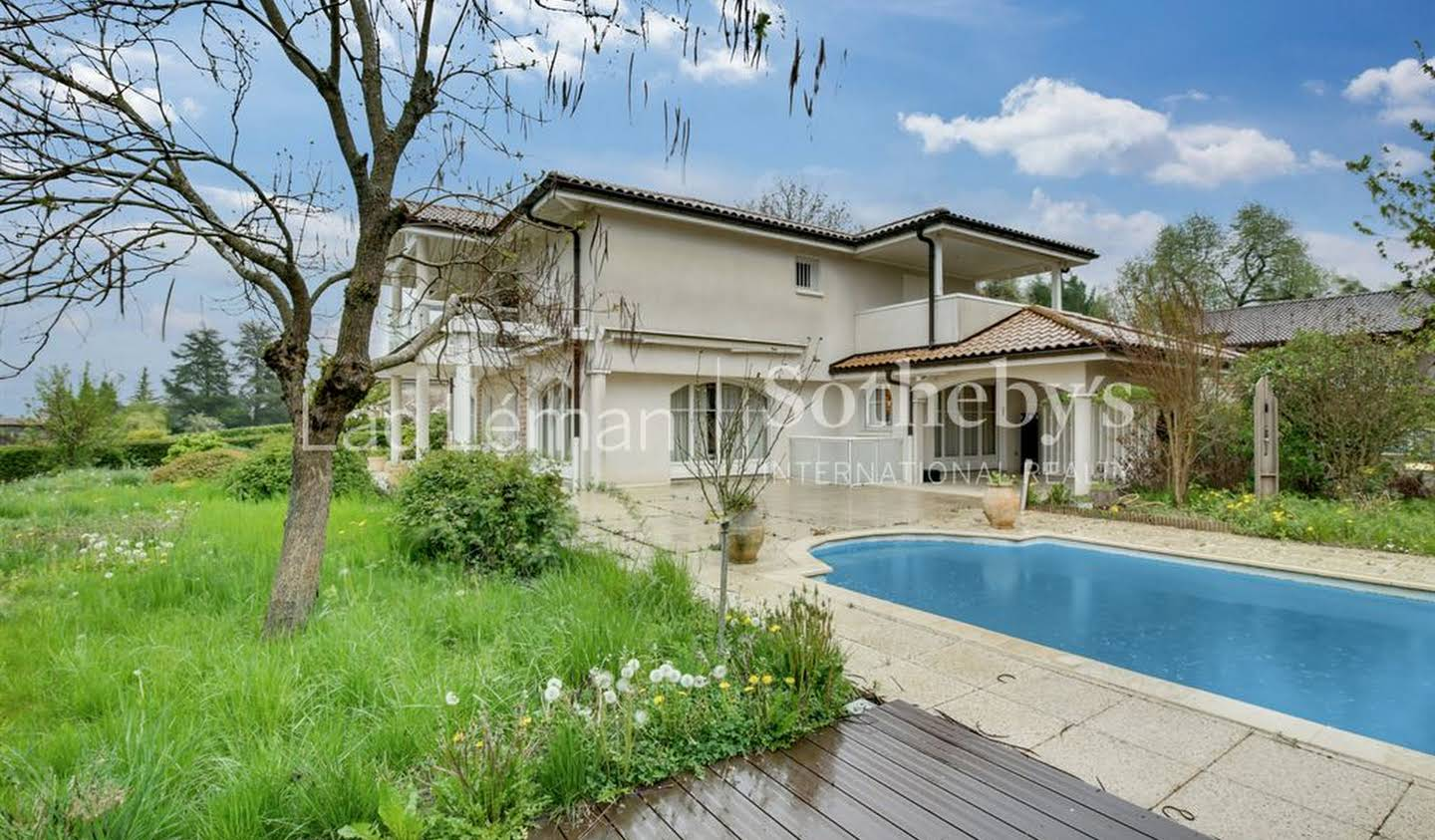 House with pool and terrace Messery