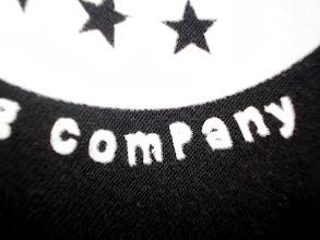 Photo: Tshirts personnalisés en flocage Upperflock (moumoute), limite de finesse de découpe / Teeshirtmania