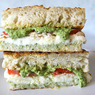 CHICKEN PESTO SANDWICH.