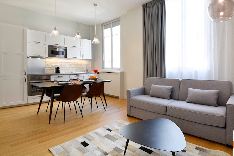 2 bedroom Apartment in Montorgueil living room