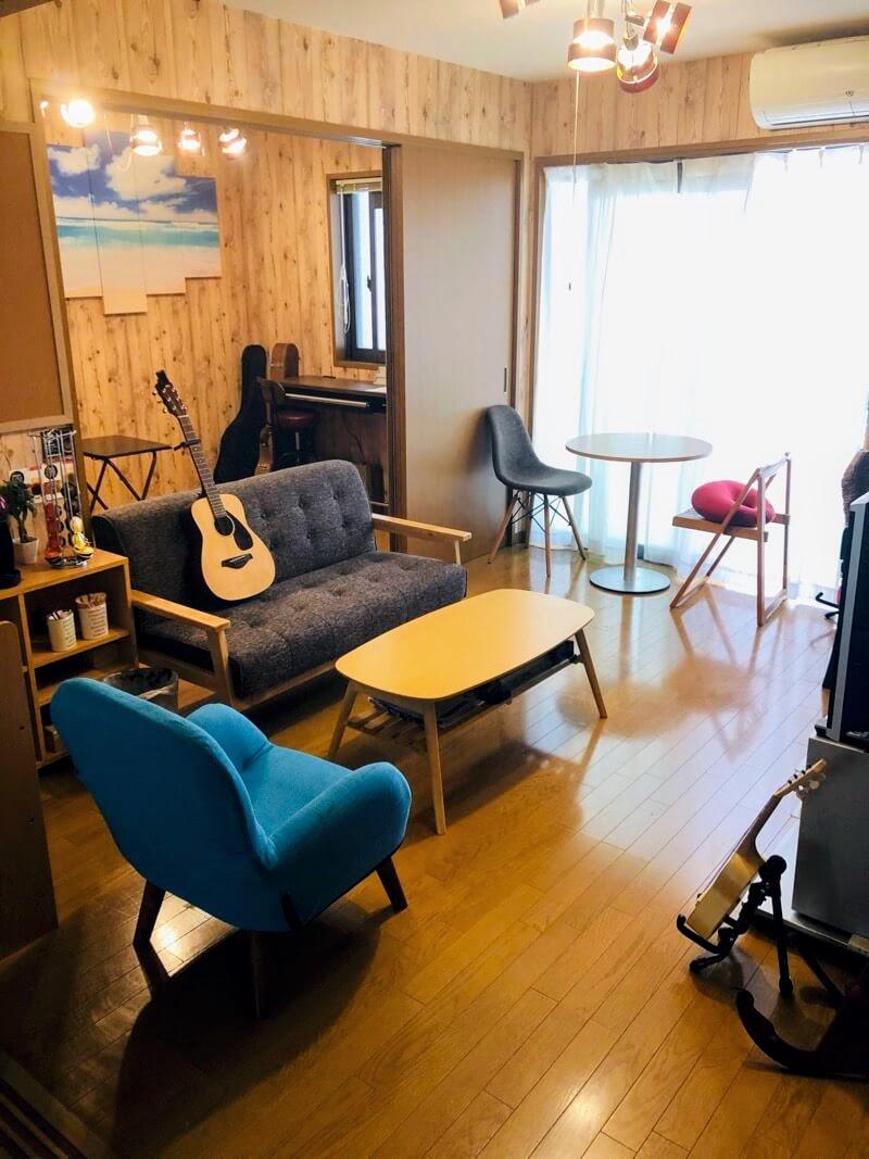 アコメロ音楽教室の待合室