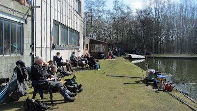 Photo: Bij vissersclub Nooit Genoeg in Klein-Willebroek