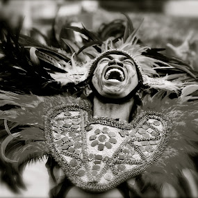 SCREAM by Hernan Sto Tomas - People Street & Candids
