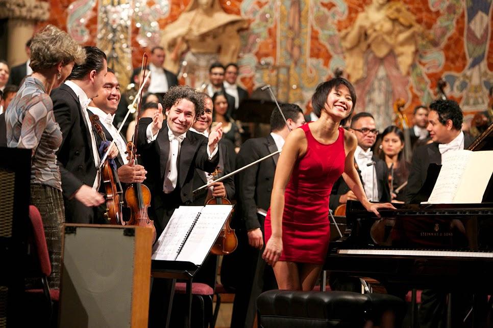 La Orquesta Sinfónica Simón Bolívar de Venezuela, el maestro Gustavo Dudamel, la pianista Yuja Wang y la especialista en las ondas Martenot, Cynthia Millar, fueron ovacionados este 7 de enero en el Palau de la Música Catalana.