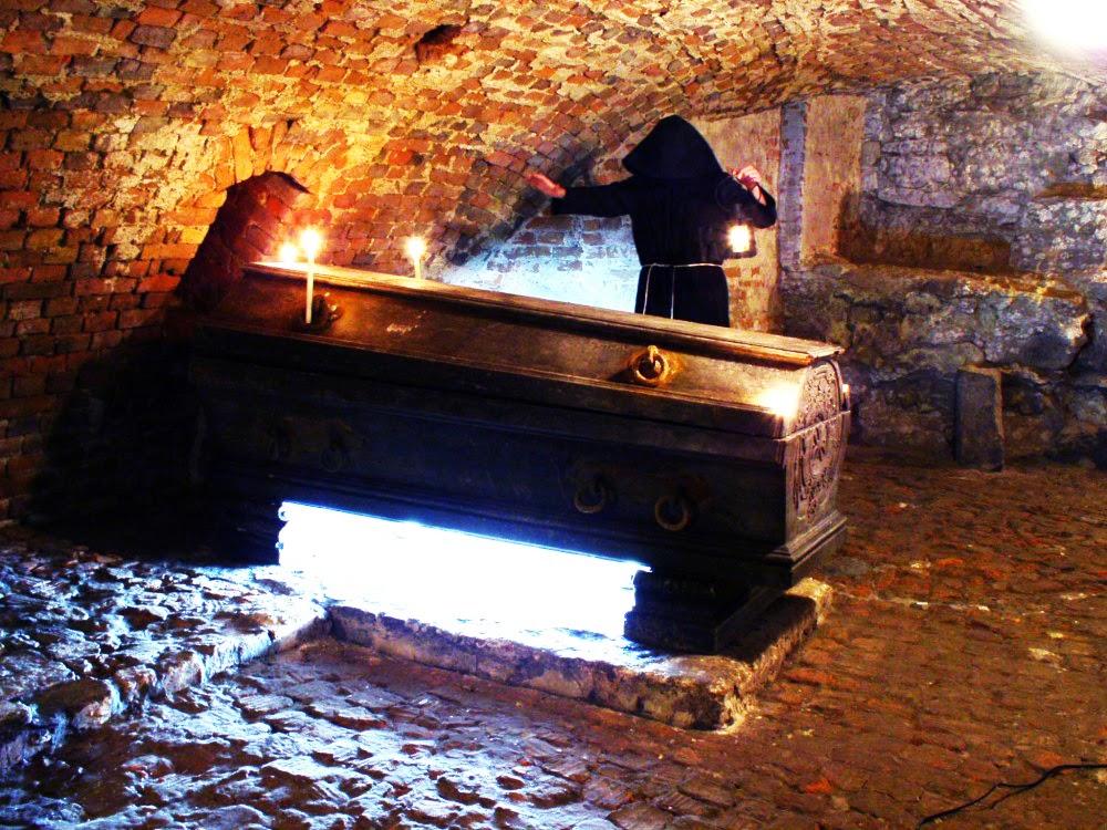 Photo: Саркофаг в крипті