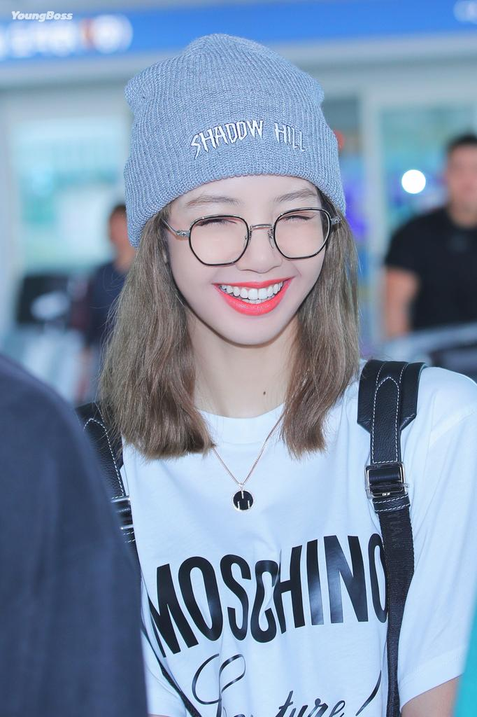 lisa glasses 14