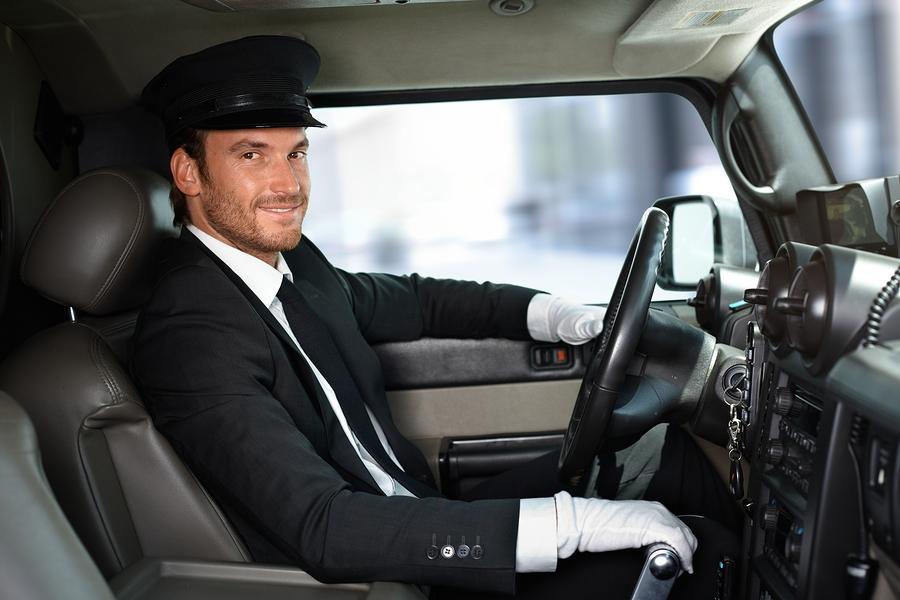 C:\Users\petar\Desktop\bigstock-Handsome-smiling-chauffeur-dri-53354503.jpg