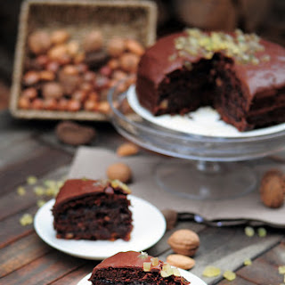 Gingerbread Bean Cake (healthy)