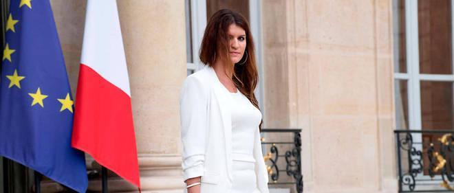 """Pendant la campagne présidentielle, Emmanuel Macron s'était dit """"favorable"""" à une loi ouvrant la PMA """"aux couples de lesbiennes et aux femmes célibataires""""."""