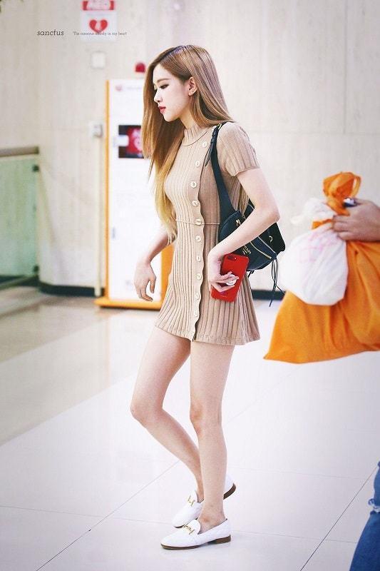 BlackPink-Rose-Airport-Fashion-Beige-Dress-min