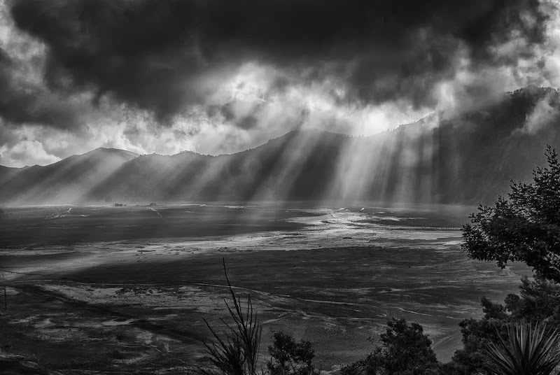 c'è sempre la luce dietro le nuvole  di Sarett@