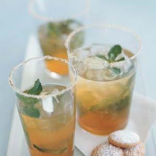 Iced Green Tea With Ginger and Mint