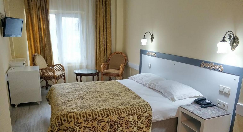 Hali Hotel