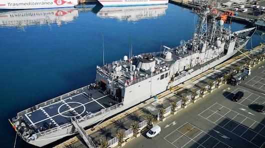 Un día en la Armada:así es la fragata Santa María