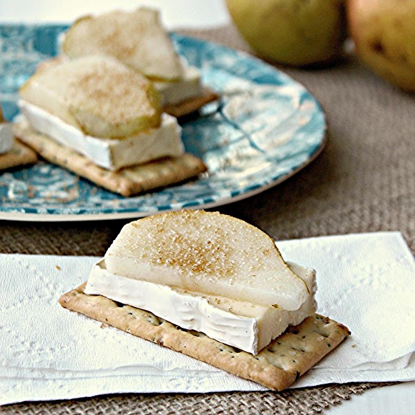 Pear And Brie Crackers Snack Recipe