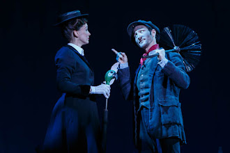 "Photo: MARY POPPINS. Premiere am 1.10.2014 im Wiener ""Ronacher"".  Annemieke van Dam, David Boyd. Foto: DI.Dr. Andreas Haunold"