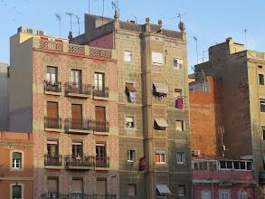 Photo: Edificios en la plaza de la Barceloneta.