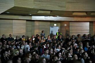 Photo: Yleisöä seuraamassa gaalaa / Audience watching the gala