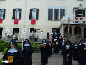 Photo: Corpus Domini 2010: la processione si avvia