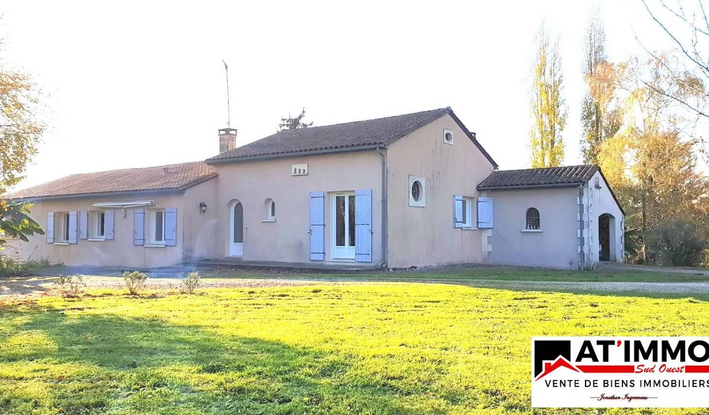 Maison avec terrasse Etriac