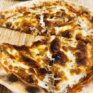 他摳屬淑的手做披薩