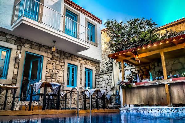 Hera Hotels
