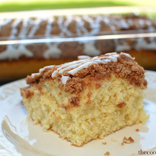 Cinnamon Roll Easy Coffee Cake