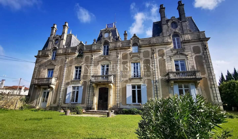 Château Bazas